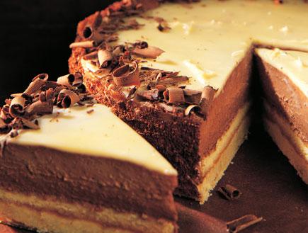 עוגת שוקולד וגבינה חגיגית של פסקל (צילום: עוגת השבוע בהוצאת מודן)