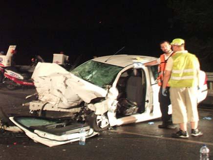זירת התאונה בכביש 444 (צילום: דוברות עיריית אלעד)