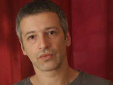 אייל שכטר (צילום: הילה זהבי)
