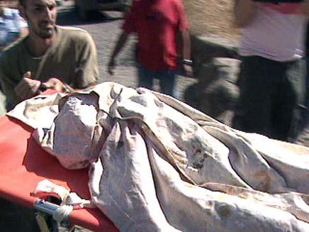 חילוץ הגופה בנחל שניר (צילום: חדשות 2)