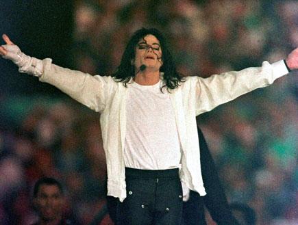 מייקל ג'קסון בהופעה (צילום: רויטרס)
