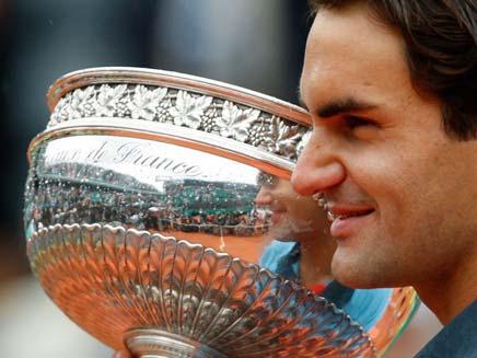 פדרר זוכה בטורניר הטניס (צילום: רויטרס)