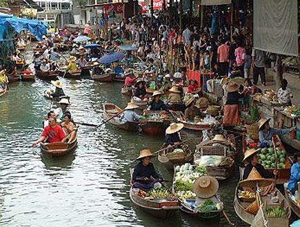 השוק הצף בבנגקוק (צילום: אתר אוגוסטה)