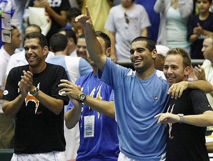 אנדי רם ונבחרת ישראל בדייויס (צילום: אמיר לוי, מערכת ONE)