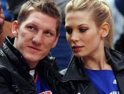 בסטיאן שווינשטייגר וחברתו שרה ברנדר (צילום: רויטרס)