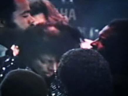 מייקל גקסון נשרף בצילומי קליפ (צילום: ABC NEWS)