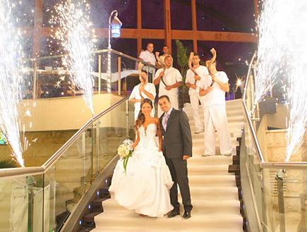 חתונה של אנסטסיה מירקין (צילום: V צלמים)