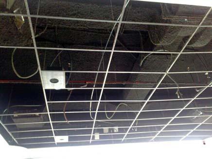 קורת הגג שנפלה בקניון רמת אביב (אחריי) (צילום: גלעד שלמור, חדשות 2)