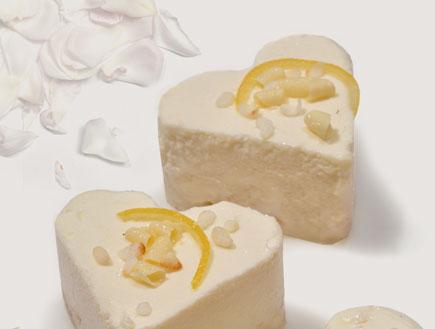 לבבות מוס שוקולד לבן של אורית מורן (צילום: אפרת אשל)
