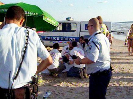 ניידת משטרה בחוף הים (צילום: חדשות 2)
