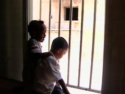 העובדת הזרה קפצה מהחלון, אילוסטרציה (צילום: חדשות 2)