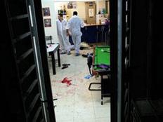 הרצח בבר נוער. המדריך כותב לרוצח (צילום: AP)