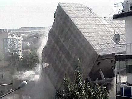 בנין שהתמוטט בטורקיה (צילום: חדשות2)