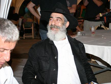 אריאל זילבר - הופעה לזכרו של מאיר אריאל (צילום: שוקה כהן)
