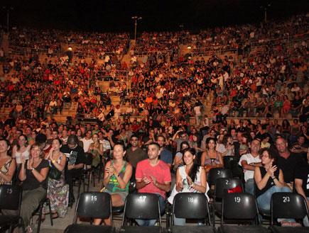 קהל עשור למאיר אריאל (צילום: שוקה כהן)