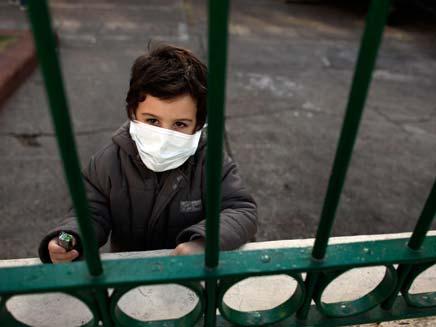 ילד, שפעת חזירים אילוסטרציה (צילום: AP)