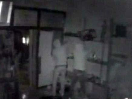 שוד חנות אלקטרוניקה באבו גוש (צילום: חדשות 2)
