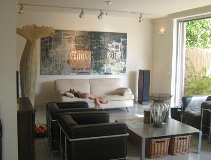 הסלון אחרי השיפוץ- חבצלת נוימן (צילום: צולי חבצלת נוימן)