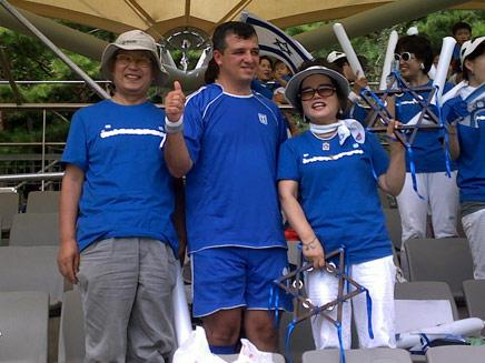 חברי כנסת משחקים כדורגל בקוריאה (צילום: חדשות 2)