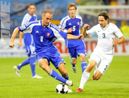 אנדריי קומאץ' במדי נבחרת סלובניה (צילום: רויטרס)