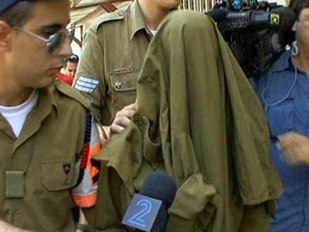 החייל נתפס כשנהג על הקלנועית (צילום: חדשות 2)