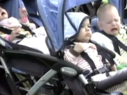 שלושה ילדים מתוך שמונה  של נדיה שולמן (צילום: FOX)