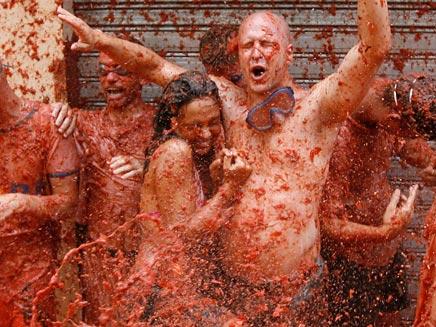 פסטיבל העגבניות בספרד (צילום: AP)