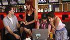 ולדי, רוני ומיי מארחים חברים בפורום (תמונת AVI: כוכב נולד)