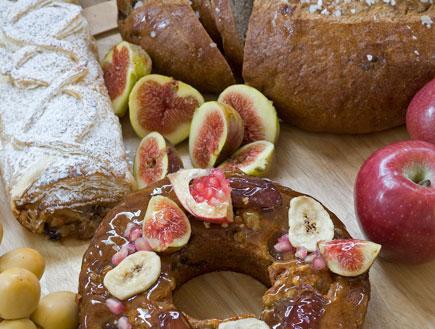 עוגת דבש ולחם דבש של רולדין (צילום: דן לב, רולדין)