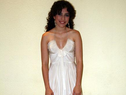 רוני דלומי בשמלה לבנה (צילום: רועי ברקוביץ')