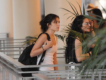 רוני דלומי, בועז מעודה וליאת אשורי בשופינג, פפראצי (צילום: אלעד דיין)