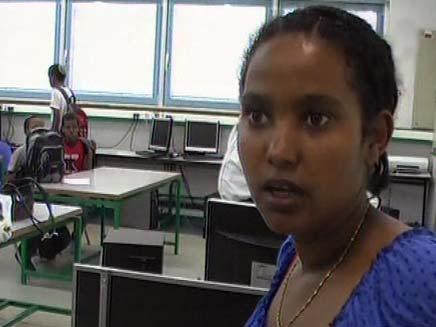 בת העדה האתיופית בבית הספר (צילום: חדשות 2)