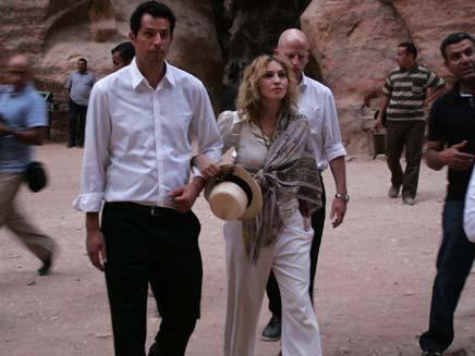 מדונה בביקור בירדן (צילום: איי-פי)
