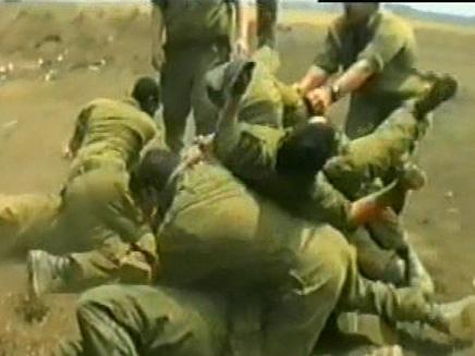 החייל הוכה עד שדימם. אילוסטרציה (צילום: חדשות 2)