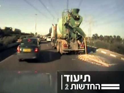 נהיגה מסוכנת בכביש (צילום: חדשות 2)