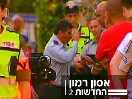 """הרמטכ""""ל גבי אשכנזי מגיע לבית משפחת רמון (צילום: חדשות 2)"""