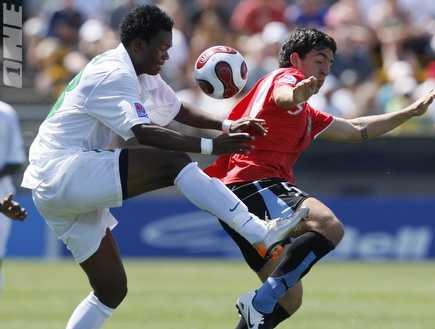 קולה במדיה של נבחרת זמביה (רויטרס) (צילום: מערכת ONE)