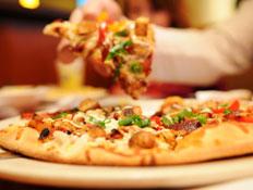 רומא: פיצה (צילום: Naomi Bassitt, Istock)