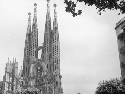 ברצלונה: לה סגרדה פמיליה משנת 1954