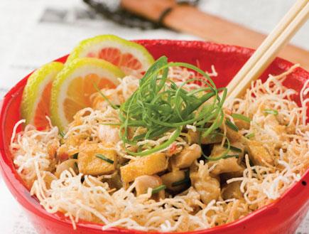 אטריות אורז מטוגנות קריספי (צילום: יונתן בלום,  יחסי ציבור )