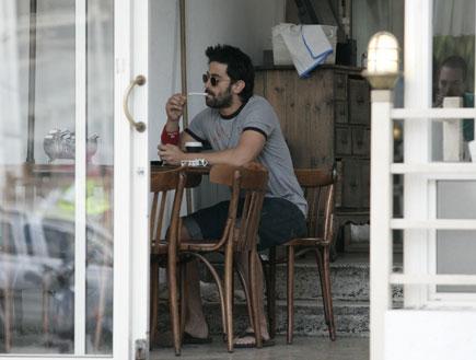 יהודה לוי, נינט טייב, בית קפה, פפראצי (צילום: אלעד דיין)