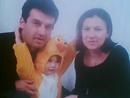 תמונה המשפחה שנרצחה בראשון לציון (צילום: גלעד שלמור)