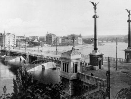 גשר סווטופלוק בפראג, 1930 (צילום: Hulton Archive, GettyImages IL)