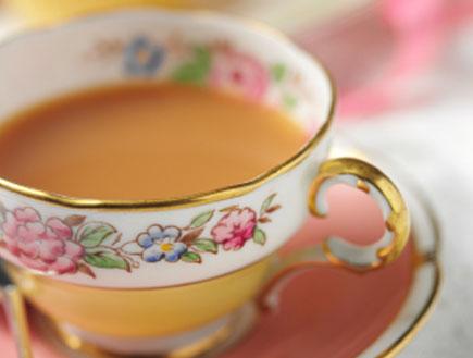 תה עם חלב (צילום: istockphoto)