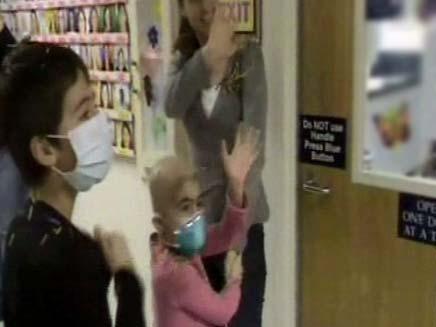 עמית קדוש - שוחררה מבית החולים (צילום: חדשות 2)