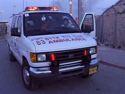 אמבולנס במחסום קלנדיה (צילום: חדשות 2)