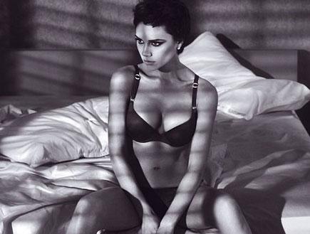 ויקטוריה בקהאם בפרסומת לארמני (צילום: getty images)