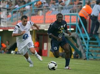 עמנואל אמנגואה. ינסה לזכות בחוזה (קובי אליהו) (צילום: מערכת ONE)