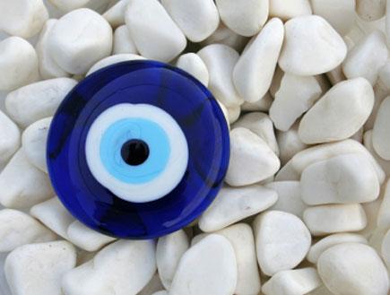 אבנים - עין הרע (צילום: Elif Eren, Istock)