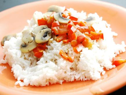 רוטב פלפלים על אורז (צילום: עמרי אנדרס צורף)